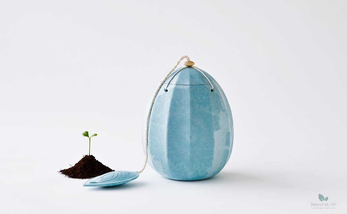 beyond-himmelblaa urne